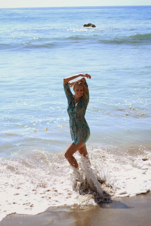 Wedding Photographers Model Anne Cohen arcwrites a day at the beach