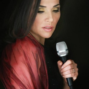 Julia Kantor of Paris Chansons French Band In LA